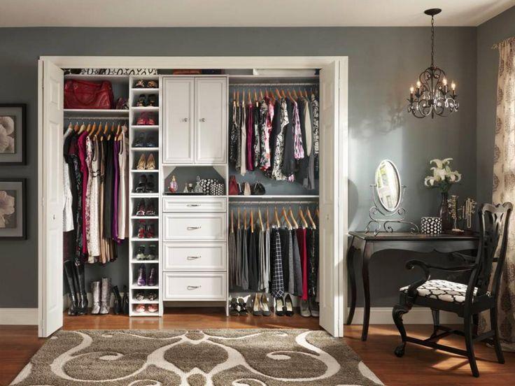 10 Stylish Reach-In Closets
