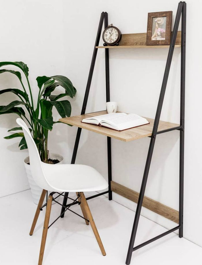 15 gorgeous desks that work well in small spaces