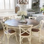27 Popular Farmhouse Table Ideas To Use In The Décor