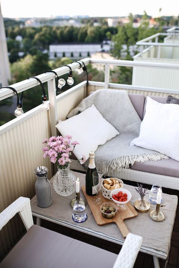 24 Chick and Stylish Apartment Balcony Ideas
