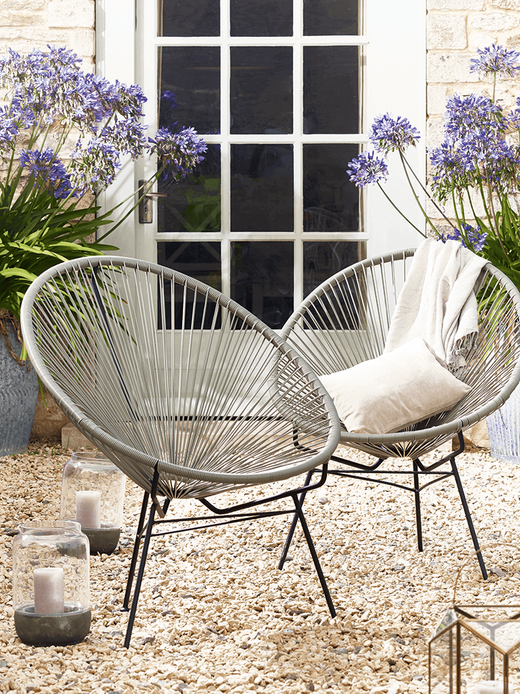 27 Convenient Outdoor Garden Chairs and Other Seating Solutions