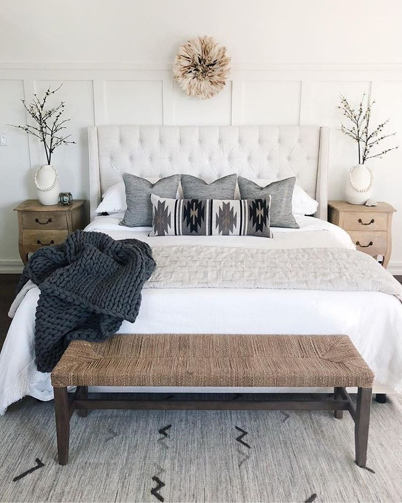 34 Gorgeous White Bedroom Design in the Small Apartment