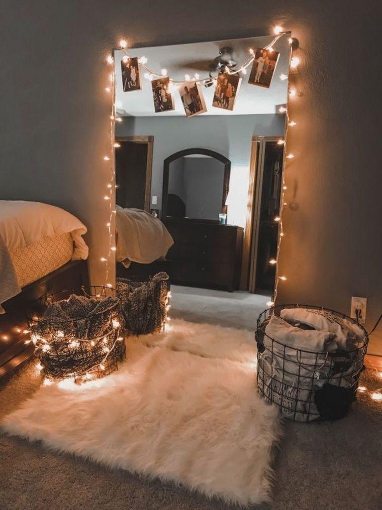 35 Beautiful DIY Fairy Light for Minimalist Bedroom Decoration