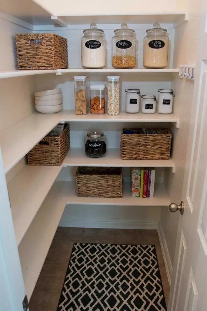 36+ DIY Farmhouse Pantry Shelves #farmhousedecor #farmhouseideas #diyfarmhouse ~…