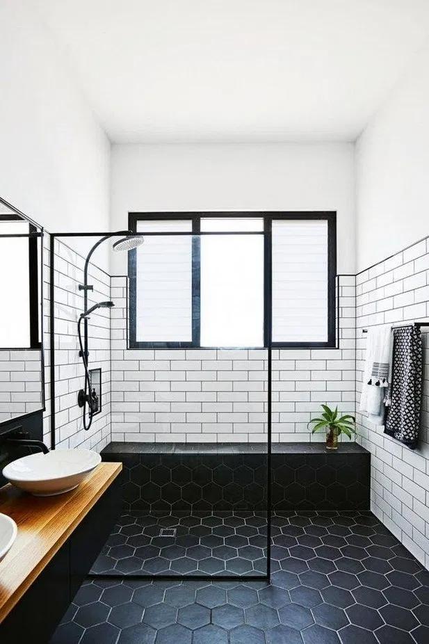 40 Best Farmhouse Master Bathroom Remodel Ideas 17