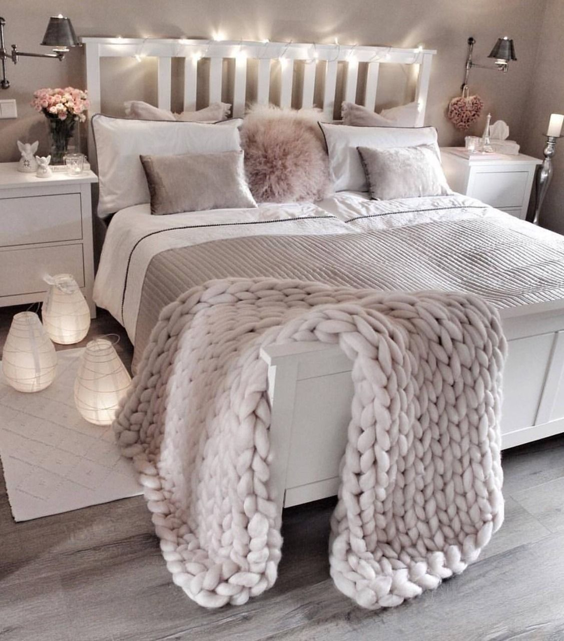 44 Lovely White Bedroom Decorating Ideas For Winter – ROUNDECOR