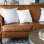 48 Lovely Farmhouse Living Room With Leather Sofa Ideas - LUVLYDECORA