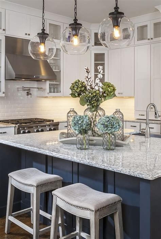 50 Inspiring Farmhouse Style Kitchen Lighting Fixtures Ideas 31 – Gongetech