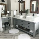 53 Cozy Farmhouse Master Bathroom Remodel Ideas - DECOONA