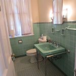 6 colorful 1950 vintage bathrooms - The Comer House in Gallatin, Tenn. - Retro Renovation