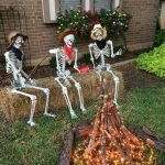 63 Creative DIY Halloween Outdoor Decorations Ideas for 2019