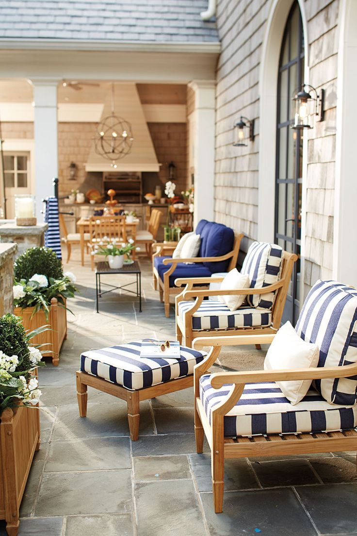 7 Ways to Decorate Outdoor Spaces with Stripes | How to Decorate