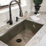73+ Top Farmhouse Kitchen Sink Decor Ideas