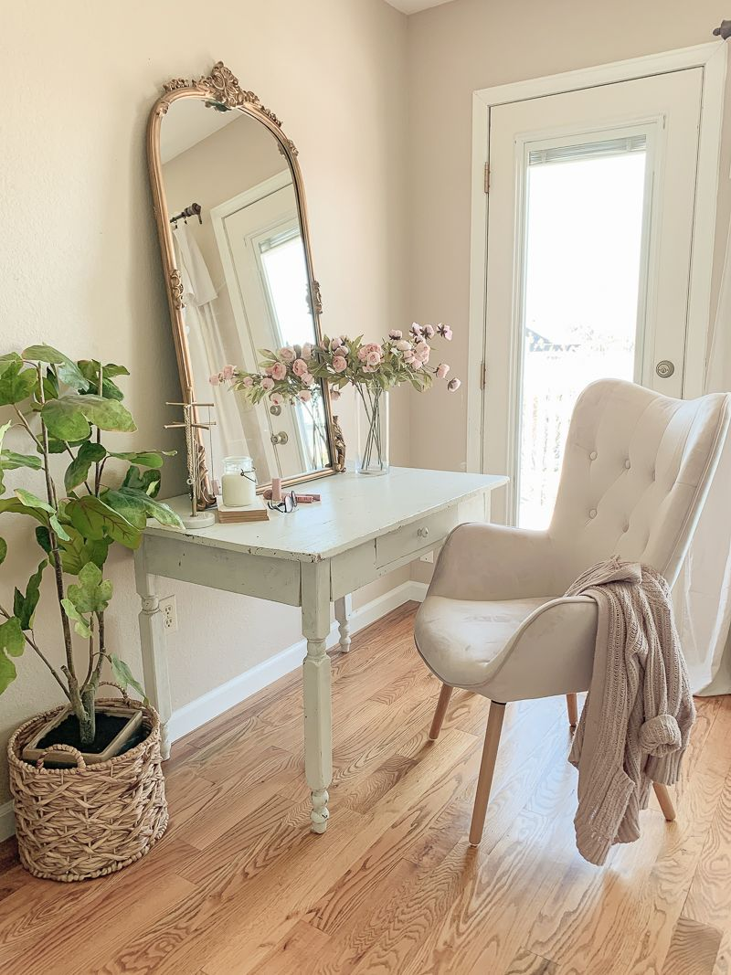 A Pretty Vanity Desk in the Bedroom – Sarah Joy Blog