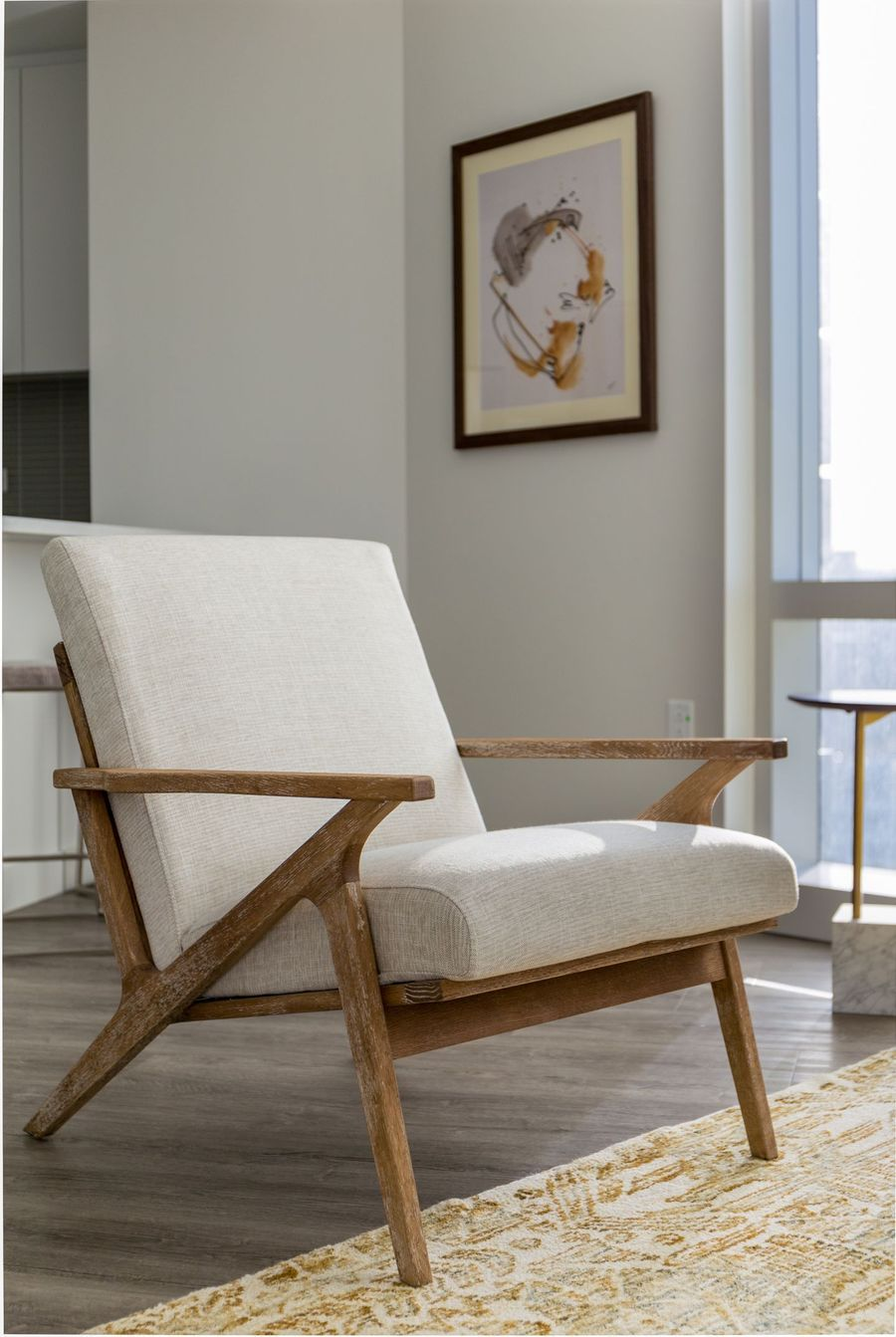Adalyn Lounge Chair (Swan) – Edloe Finch Furniture Co.