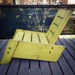 Artículos similares a SÃO RAFAEL moderno/vintage recuperada madera silla de cubierta en Etsy