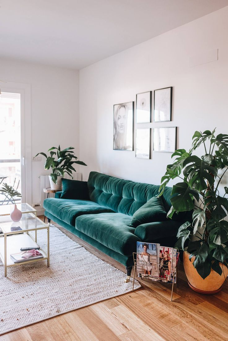 BOHO STYLE: THE GREEN VELVET SOFA – 6 STYLISH OPTIONS