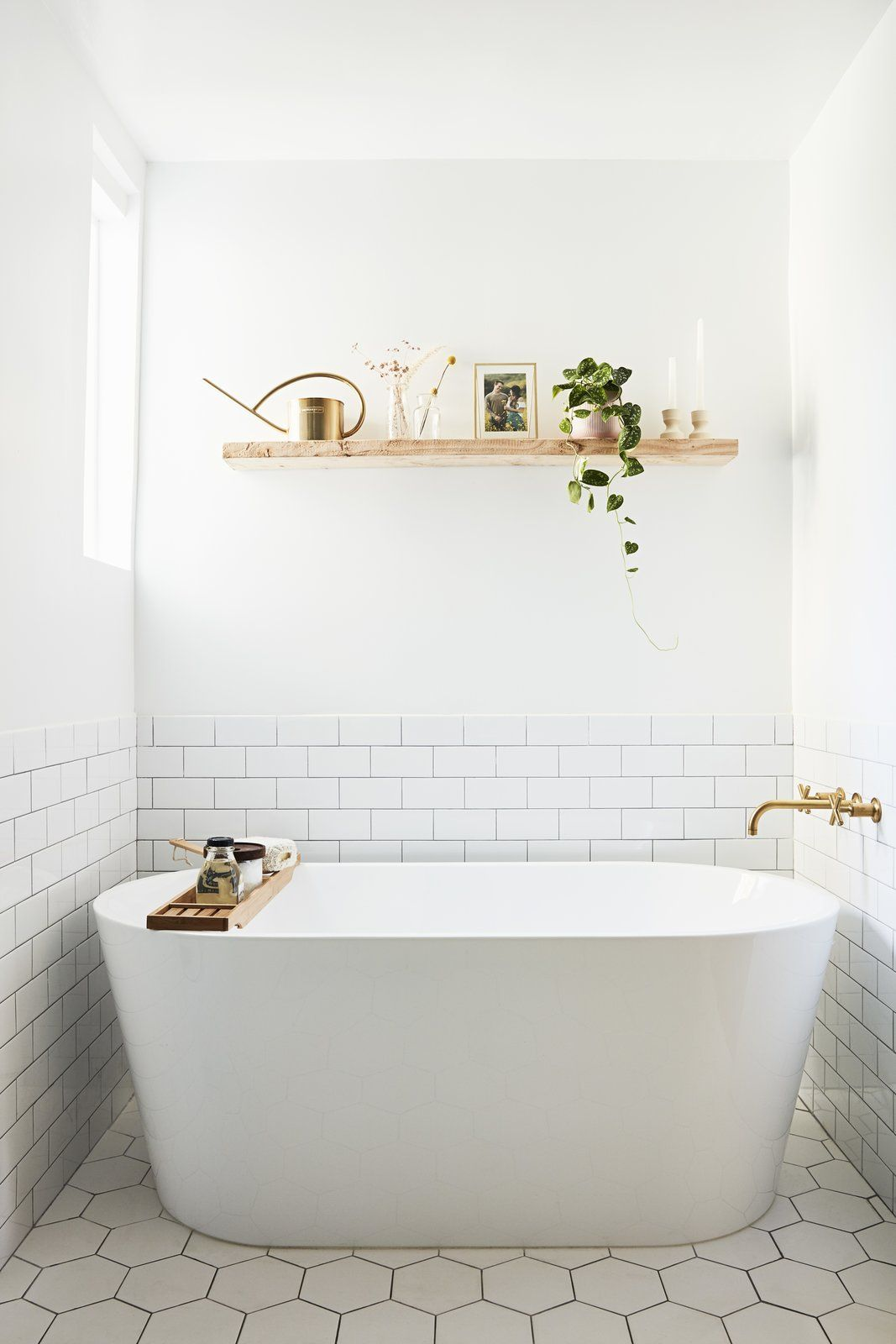 Beauty Vlogger Kristin Johns Showcases Her Glistening Bathroom in Los Angeles