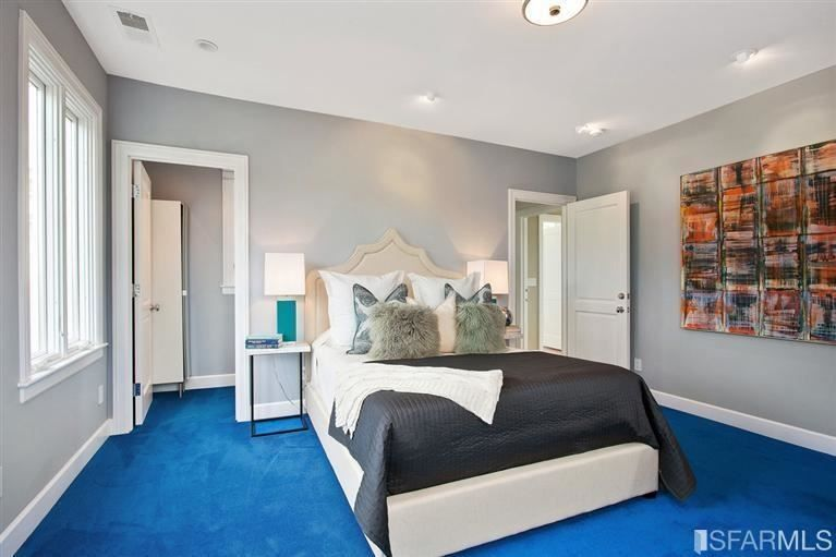Bedroom with gray whiles and bright blue carpet | Home Decor – http://www.otoseriilan.com