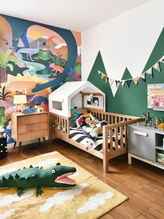 Bright And Fun Jungle-Themed Kids' Bedroom With A Bold Artwork