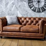 Buying a Chesterfield sofa is a wonderful way to add the classy and modest Briti… - pickndecor.com/furniture