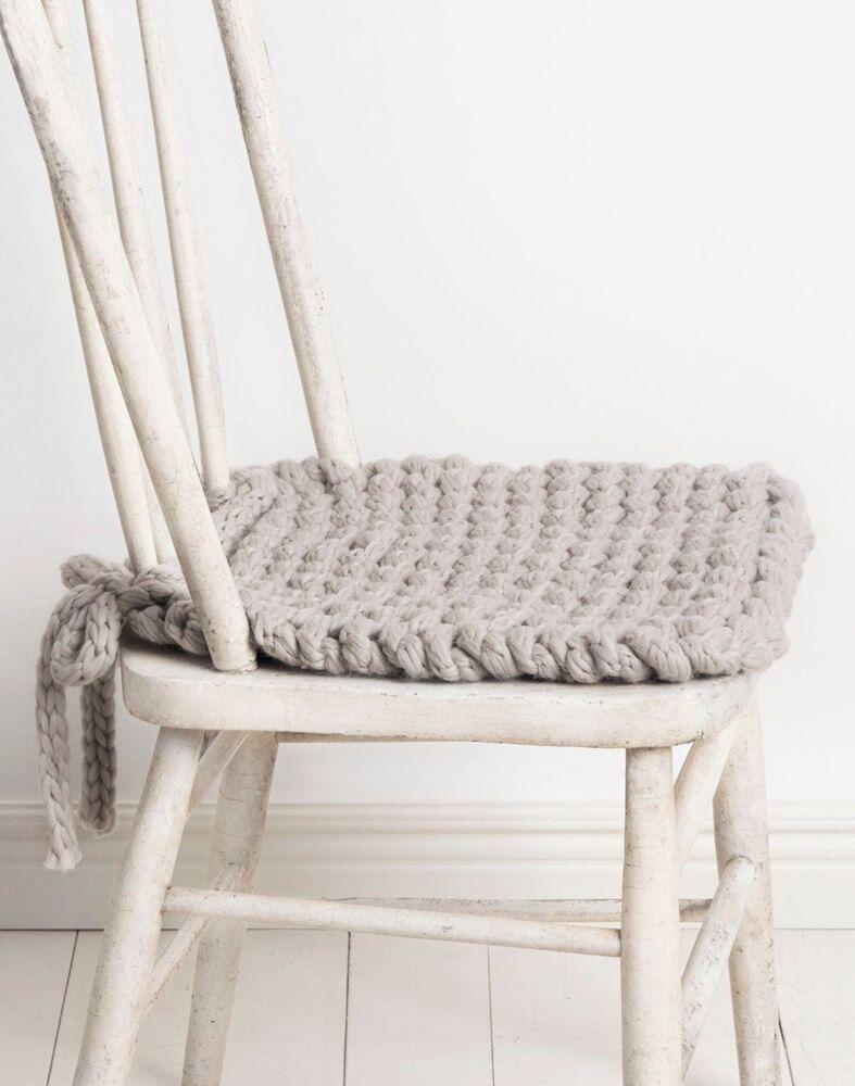 Champlin Chair Cushion in Blue Sky Fibers Woolstok Jumbo – 201902 – Downloadable PDF