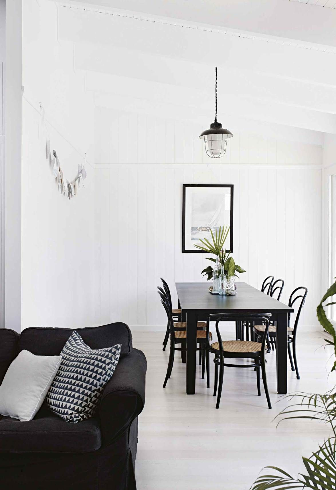 Coastal design meets Art Deco style in a weatherboard house
