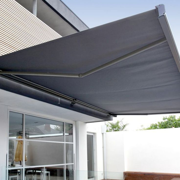 Custom Retractable Awning – Paradise Outdoor Kitchens • Outdoor Grills • Outdoor Awnings • Backyard Amenities