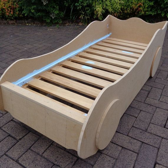 DIY Kids' Racing Car Bed – woodworking plans