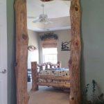 DIY Log Furniture ….. Liebe diesen schiefen Spiegel! Wir haben Stücke von kno… - https://pickndecor.com/interior