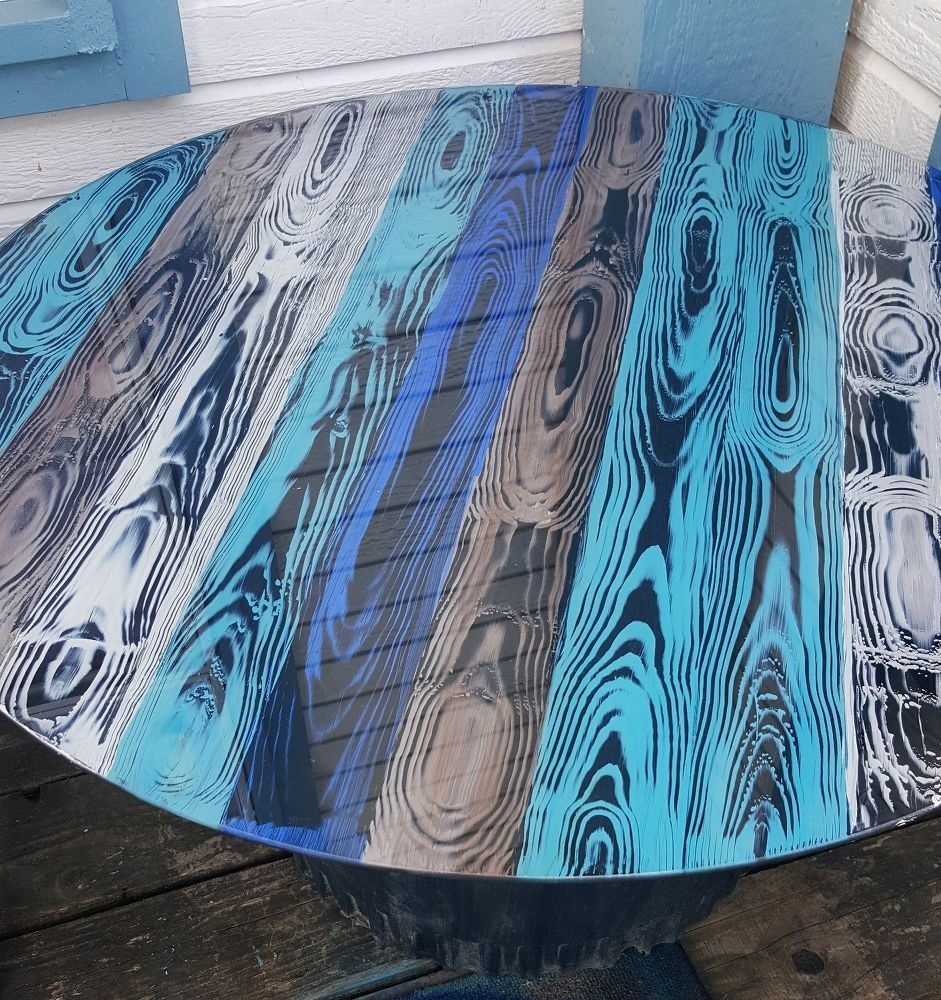 Faux Wood Grain Looks So Cool On a Glass Table – pickndecor.com/furniture