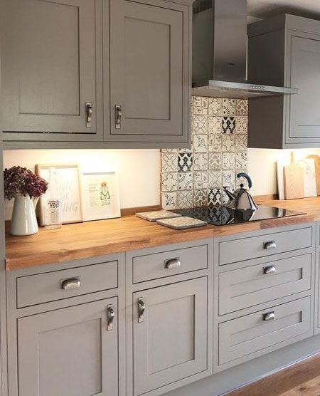 HOME DZINE Kitchen | What Defines a Shaker Style Kitchen?