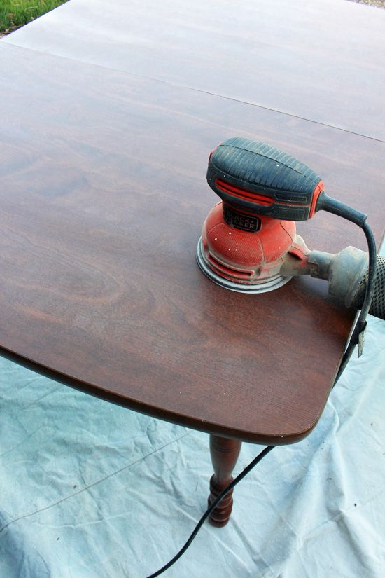 How to Paint a Laminate Kitchen Table