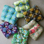 How to make chair cushions. Yellow patterned for one side, and white or cream fo… - pickndecor.com/design