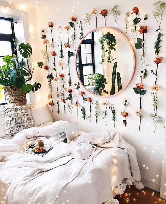 Inspiratieboost: een ronde spiegel als smaakmaker in de slaapkamer