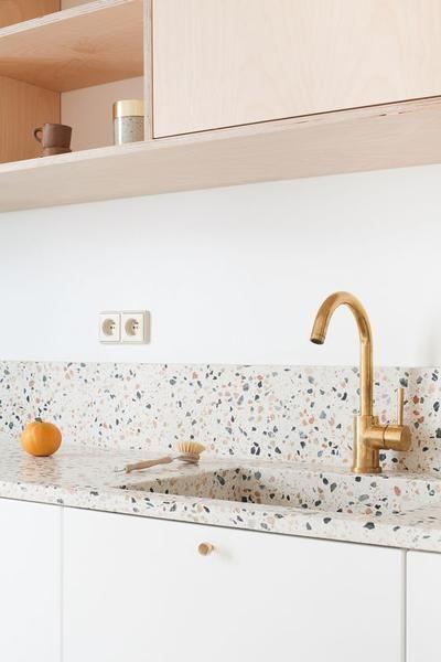 Kitchen tiles – terrazzo worktop with brass details