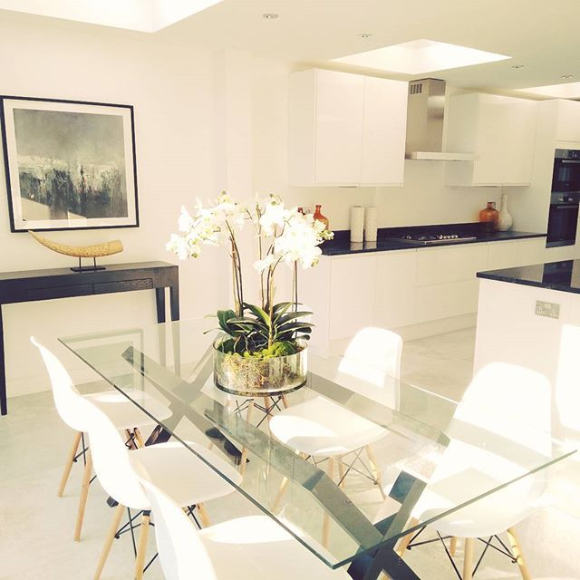 """London Home Staging on Instagram: """"Another bright and beautiful kitchen and dining area.  #londonhomestaging #photooftheday"""""""