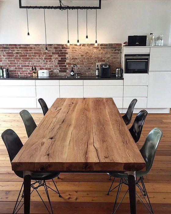 Massivholztisch aus Eichenholz / Tischgestell im Industriedesign #diningtables