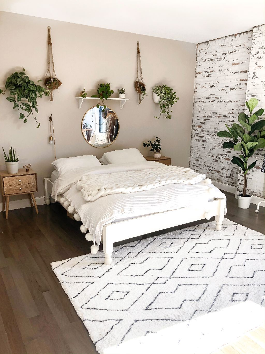 My Boho Minimalist Bedroom Reveal – https://pickndecor.com/ideas