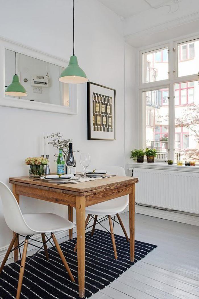 Petite table et chaises