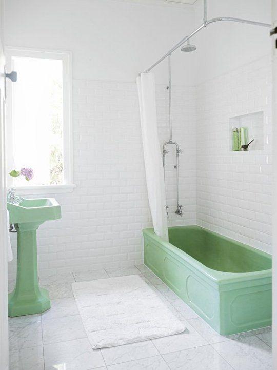 Retro Bathroom Refresh: Why Older Bathroom Suites are Still Sweet