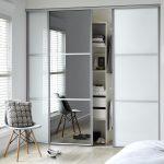 Sliding Door Wardrobes to hang clothes - yonohomedesign.com