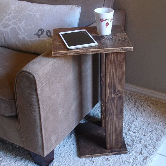 Sofa Chair Arm Rest Table Stand with Storage Pocket for Magazines Remotes