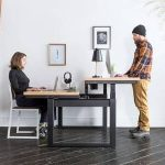 Split design on sit-stand adjustable height desk lets you do both (Video)