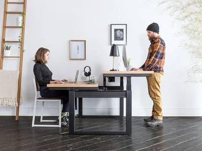 Split design on sit-stand adjustable height desk lets you do both (Video)