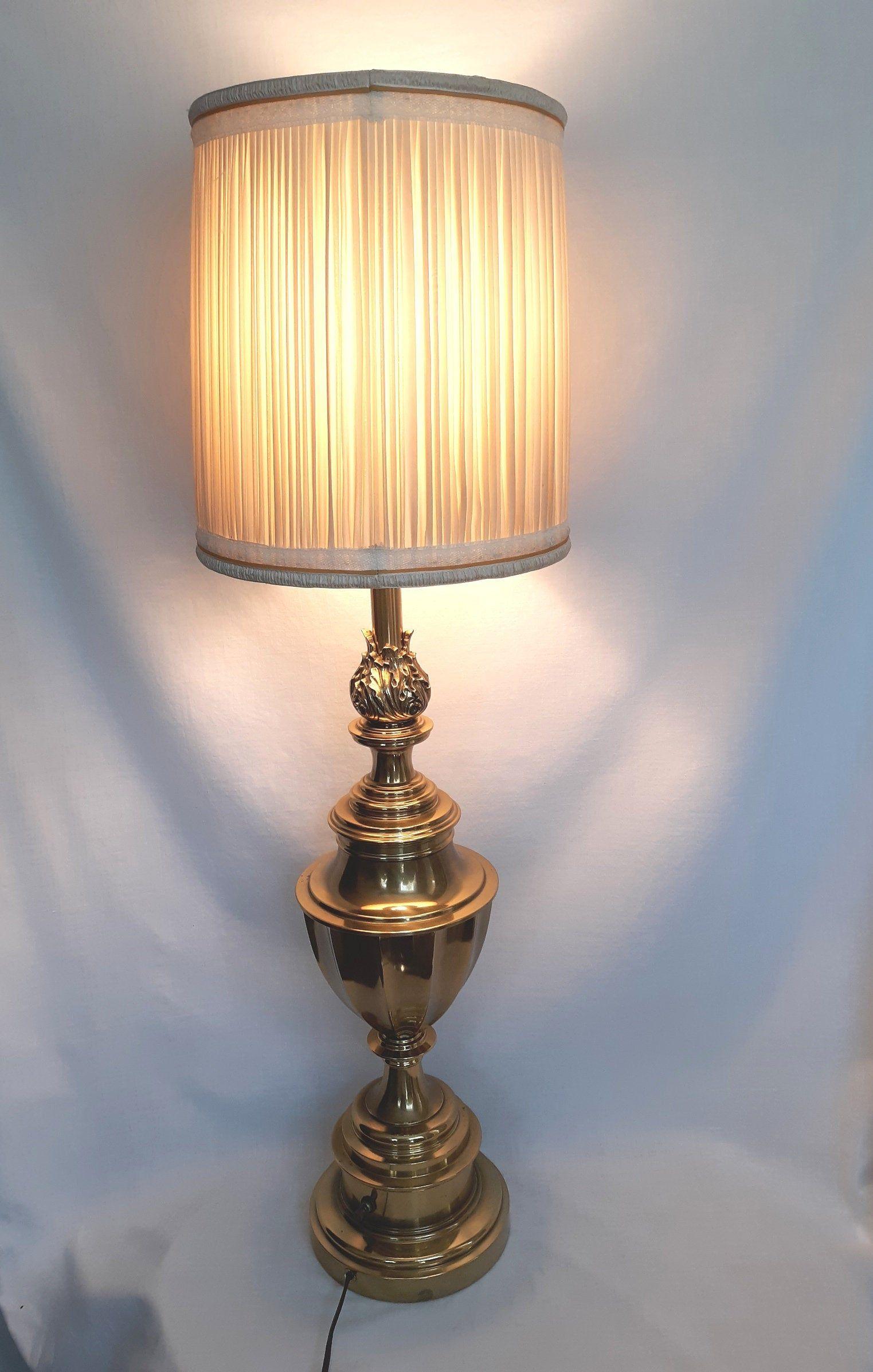 Stiffel Lamp Neoclassical Heavy Brass Flaming Torch Trophy Urn Lamp Hollywood Regency 3 Way Dresser Desk Retro Lamp w/Harp Fitter & Finial