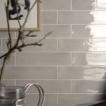 Stunning Backsplash Ideas for Neutral Color Kitchen | Elonahome.com