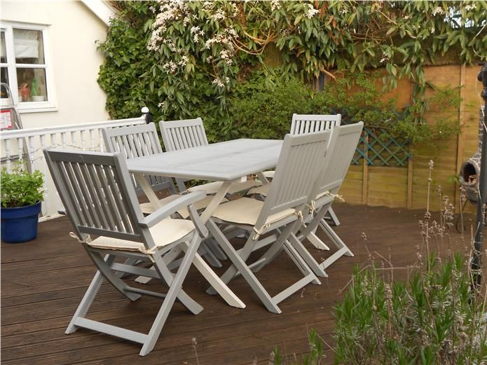 Tired outdoor garden furniture given a new lease of life using F Manor House Gra…