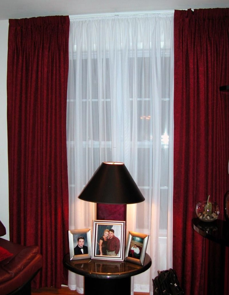 Use Red and White curtains for a sophisticated and an elegant look | Drapery Roo…