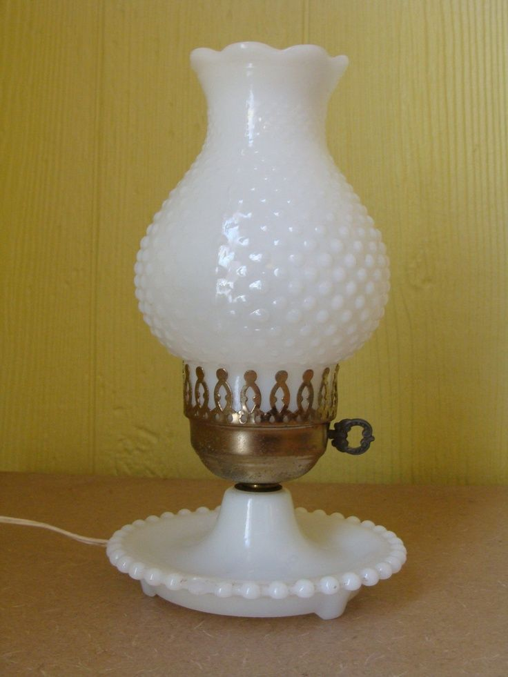 Vintage milk glass lamps – the best choice for home decor | Warisan Lighting